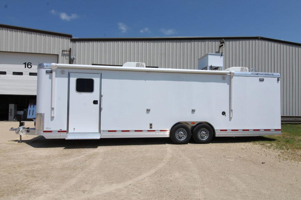 Mobile command center 4926 exterior
